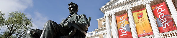 Abraham Lincoln Statue in front of the Bascom Hall